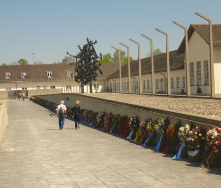 Jedes_Geschlecht_verdient_Respekt__Dachau_01